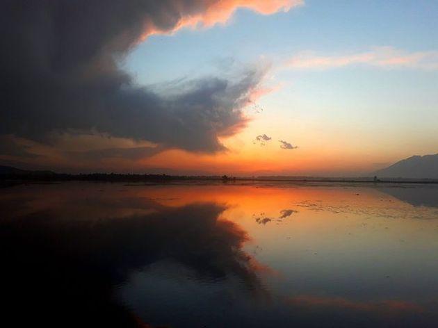 Dal_Lake,_kashmir